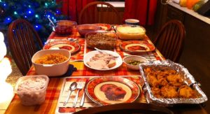 thanksgiving-day-dinner-table-3