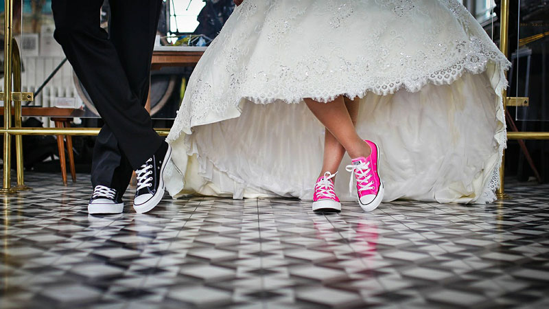 A simplified guide for the overwhelmed bride (or groom)