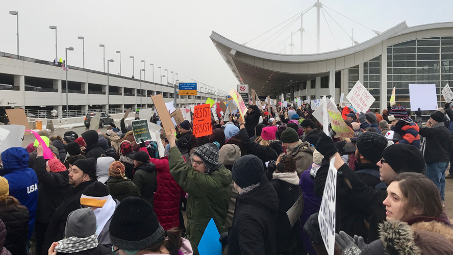 DTW_emergency_protest_against_Muslim_ban_-_56
