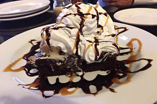 dessert-duallys-gastro-pub