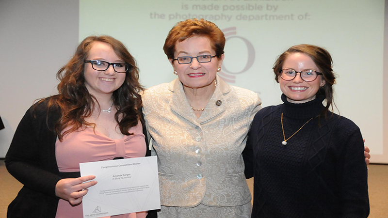 Congresswoman Marcy Kaptur with 2017  Congressional Art Exhibition Winner  Amanda Gargac (2014 YAAW Alumnus) (left)  and her Cardinal Stritch art teacher  Kyla Gorey(right).