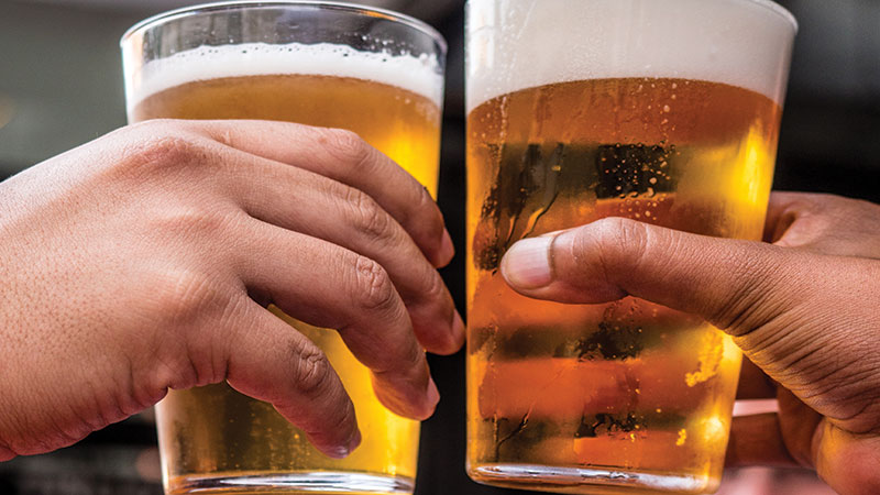 alcohol-alcoholic-beverage-bar-1089930