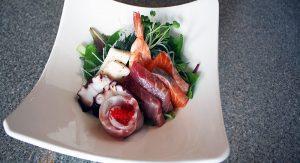 Sashimi-Salad-1