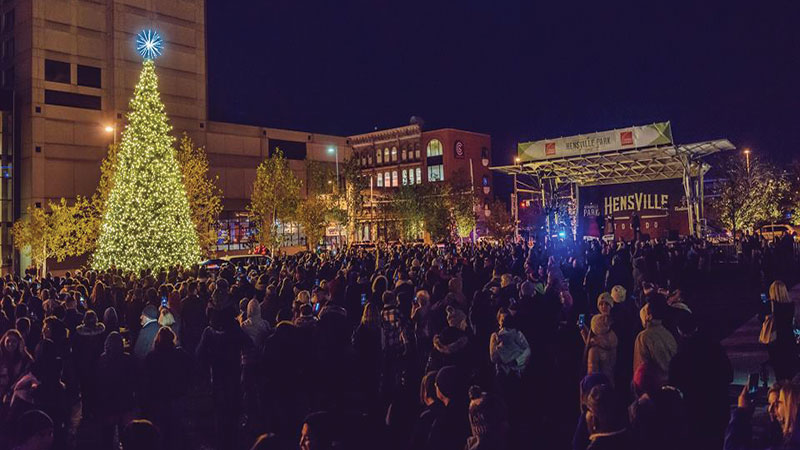 big-to-do---Hensville-Tree-Lighting