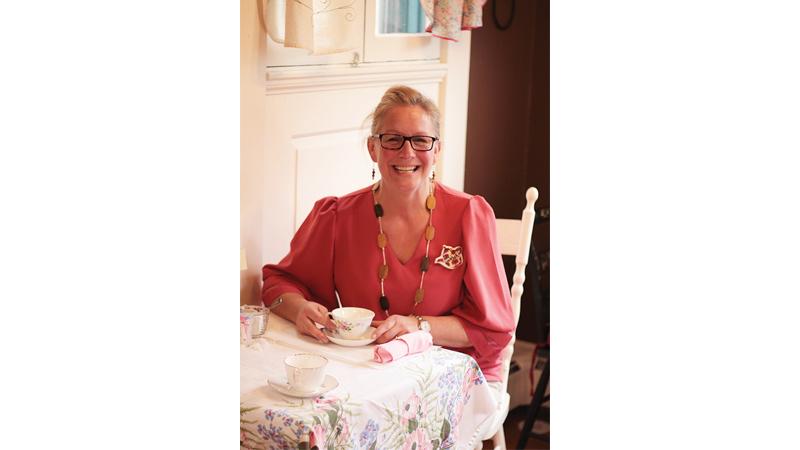 Gretchen Fayerweather, Clara J's owner.