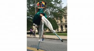 health-note-stilt-walking
