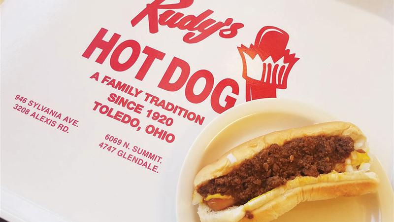 Rudy-s-Hot-Dog-chili-dog