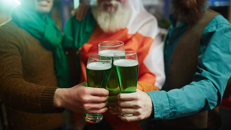 TASA-pub-crawl-toledo-st-patricks-day-